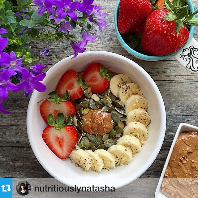 What's delicious in winter? Porridge! What makes it extra delicious? Drizzled tahini topping of course! Huge gratitude to @nutritiouslynatasha for introducing me to this yummy idea. Photo #regram from @nutritiouslynatasha #nutritiouslynatasha18k --- I feel like I haven't had porridge in forever! So today I'm having my favourite vanilla and @organicburst maca banana bread oats (recipe on my blog!) with homemade almond butter, strawberries, banana coins, pumpkin seeds and a sprinkle of @muma_health raw core love. I'm feeling super tired today, so I'm not really planning on going out except to have my gym induction this evening. I'm super happy that my noise cancelling headphones just arrived, so I can try and mitigate some of the fireworks this evening! However, I am super sad because my best Instagram friend @plantbased_pixie is leaving me for months to go travelling. The selfish thing ? gonna miss you so much! Don't forget I'll be announcing another winner of my shoutout competition this evening! All you need to do is share one of my pics and tag #nutritiouslynatasha18k and @nutritiouslynatasha ?
